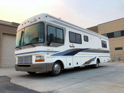 2001 Bounder 31M Motorhome with low miles