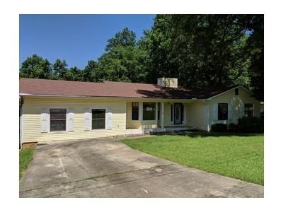 4 Bed 2 Bath Foreclosure Property in Enterprise, AL 36330 - Pinewood Dr