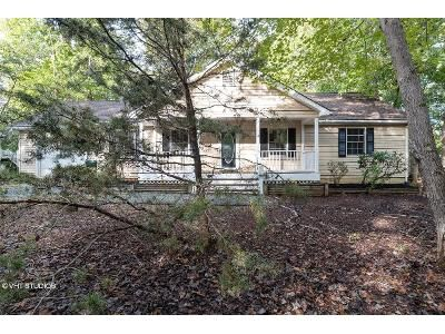 3 Bed 2 Bath Foreclosure Property in Palmyra, VA 22963 - Hardwood Rd