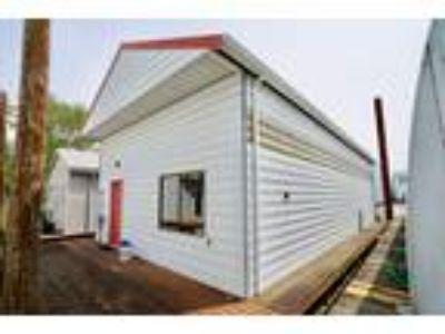 70' Custom 70 Boathouse 2000