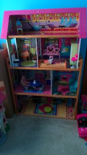 Barbie Doll House w/ furniture