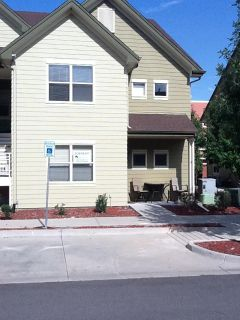 Gorgeous 2 bedroom 2 bath condo with lots of space!!