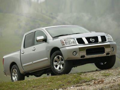 2005 Nissan Titan XE (Radiant Silver)