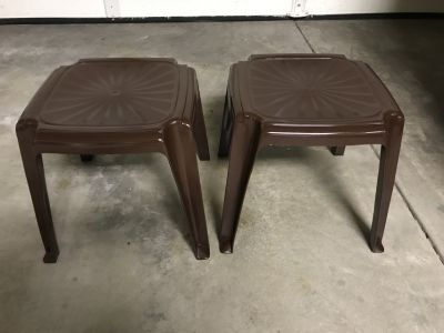 ****2 outdoor patio side tables