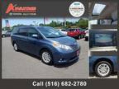 $23898.00 2016 TOYOTA Sienna with 32054 miles!
