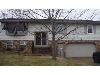 3 Bed 2 Bath Foreclosure Property in Erie, PA 16509 - Emery Dr