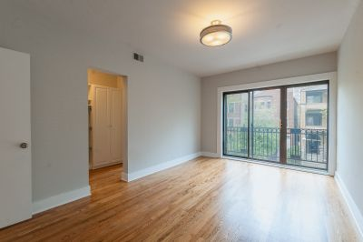 Amazing Gut Rehab 2bed/2ba Uptown Apartment!