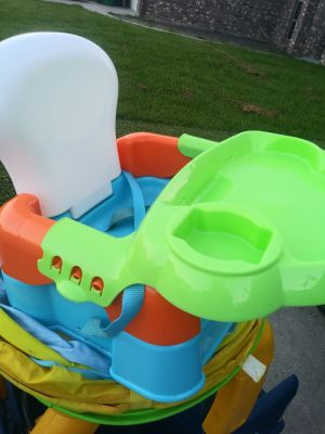 Toddler feeding chair w/ removable tray-Good condition but the straps are a little stained