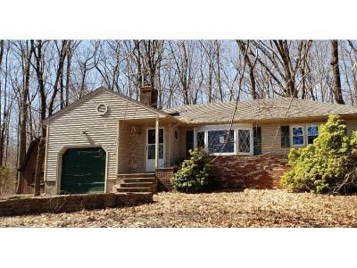 2 Bed 1 Bath Foreclosure Property in Skillman, NJ 08558 - Hollow Rd