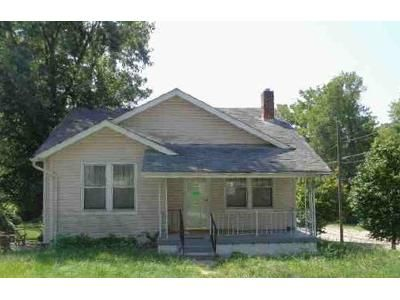 2 Bed 1 Bath Foreclosure Property in Saint Louis, MO 63130 - Lynn Ave