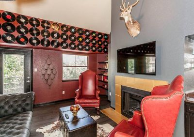 $195, 4br, Downtown Rock Royalty
