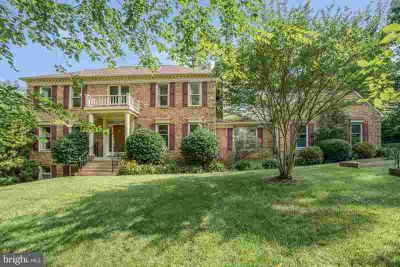 7020 Bruin CT MANASSAS Five BR, Beautiful Brick Colonial on