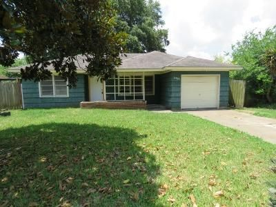 2 Bed 1 Bath Foreclosure Property in Groves, TX 77619 - Owens Ave