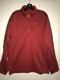 Nike Men s Size Large Pullover