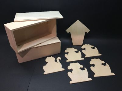 Wooden craft boxes and dog & cat figures Preston Lakes ppu