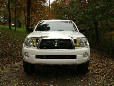 $2,490, Clear 2005 Toyota Tacoma TRD ETe345