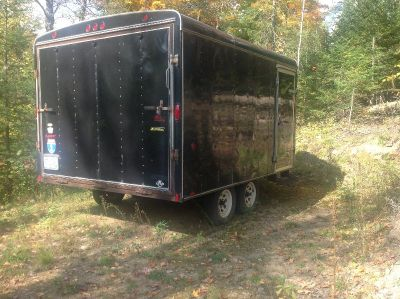 Snowmobile enclosed trailer