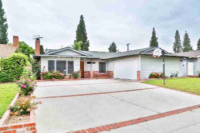 22504 Lull Street CANOGA PARK Four BR, Welcome to this