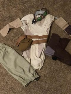 Girls Star Wars Rey costume 5/6 from the Disney store