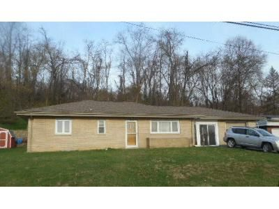 2 Bed 1 Bath Foreclosure Property in Belle Vernon, PA 15012 - Otto St