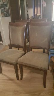 4 wooden chairs with cushion