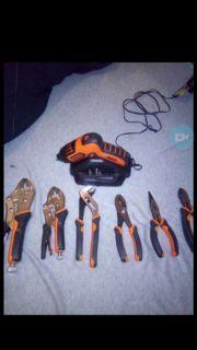 50$ for everything! Or 25$ each set. Black&Decker drill/Ruwoo tool set