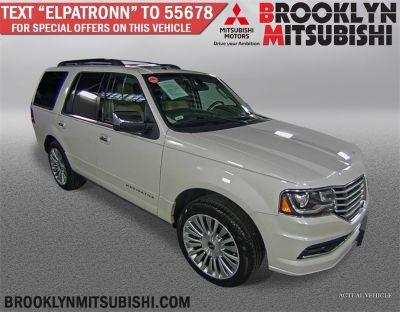 2015 Lincoln Navigator Premium (White Platinum Metallic Tri-Coat)