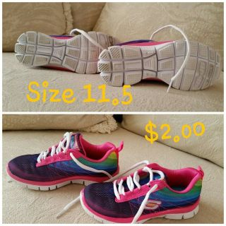 Girls skechers memory foam gym shoes