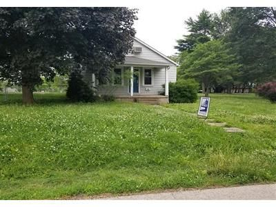 2 Bed 1 Bath Foreclosure Property in Scott City, MO 63780 - Lula Ave