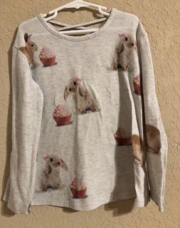 Justice Brand Adorable Bunny Cupcake Shirt. Nice Condition. Size 6