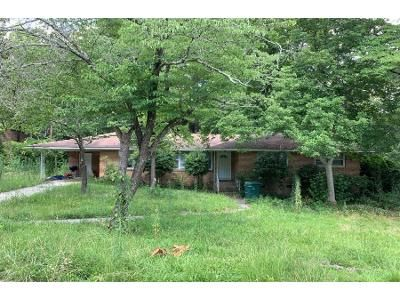 3 Bed 1.5 Bath Preforeclosure Property in Columbia, SC 29206 - Pinestraw Rd