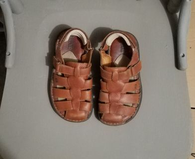 Excellent Used Condition, Born leather sandals, sz 1
