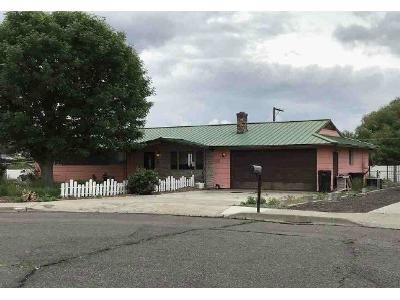 3 Bed 1.5 Bath Foreclosure Property in Yakima, WA 98908 - Logan Pl