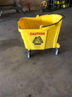 Large industrial Rubbermaid cleaning bucket w/ wheels