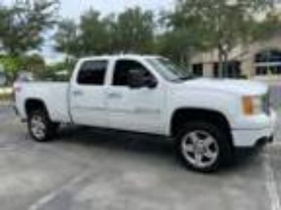 2011 GMC Sierra 2500 2011 GMC DENALI Z71 4X4 SHORT BED CREW CAB CLEAN FLORIDA