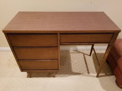 VINTAGE MID CENTURY MODERN DESK & CHAIR