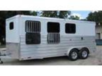 2019 Trailers USA TLT 3 Horse Draft w/Extruded Sides 3 horses