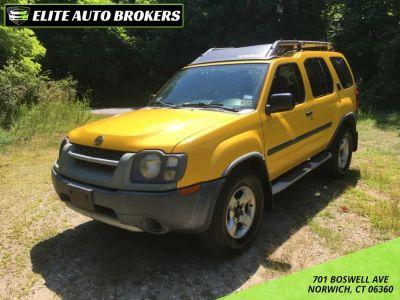 2004 Nissan Xterra XE (Solar Yellow)