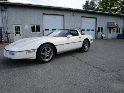 1985 Chevrolet Corvette Base (White)