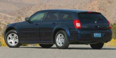 2006 Dodge Magnum SE (Red)