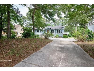 4 Bed 3 Bath Foreclosure Property in Kitty Hawk, NC 27949 - Martins Point Rd