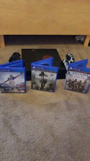 Ps4, 3 games, 2 controllers