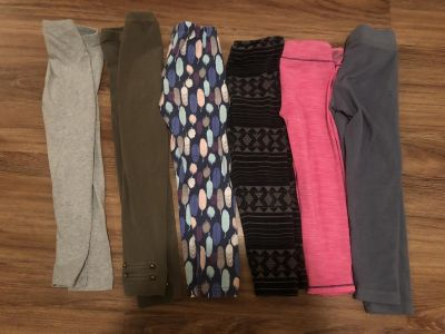 Girls leggings size 5 & 5/6. All fit the same. Some have wash wear, but in good condition! $1 each