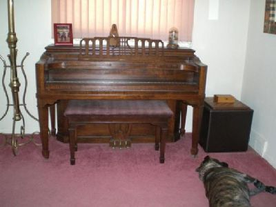 1942 Grinnell Bros. Detroit Console Piano Baby Grand Harp in back, Bench, access