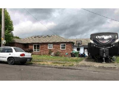 2 Bed 1 Bath Preforeclosure Property in Clatskanie, OR 97016 - SE 7th St