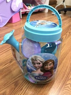Frozen Watering Can 7 Piece Set NWT