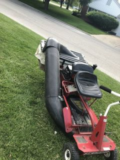 Snapper Riding Mower W/Bagger