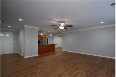 1 bedroom Apartment - Luxurious Living In The Heart Of Long Island.