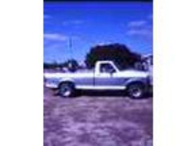 1995 Ford Fi50 4x4 Xlt