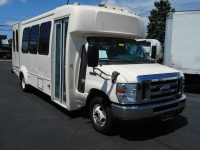 "2013 Ford Short Bus E-450 Super Duty 176"" DRW (Cream)"